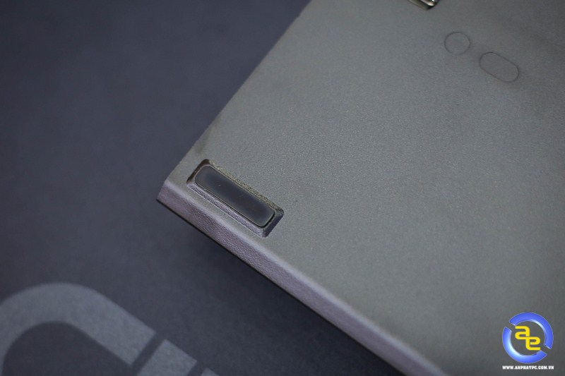 miếng cao su chống trượt trên Geezer GS2 RGB