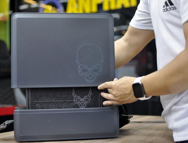 Đập hộp NUC 9 Extreme 9i9 KIT - PC bé như quyển sách nhưng cấu hình siêu khủng: Chip core i9, hỗ trợ VGA RTX 3080! - Ảnh 4.